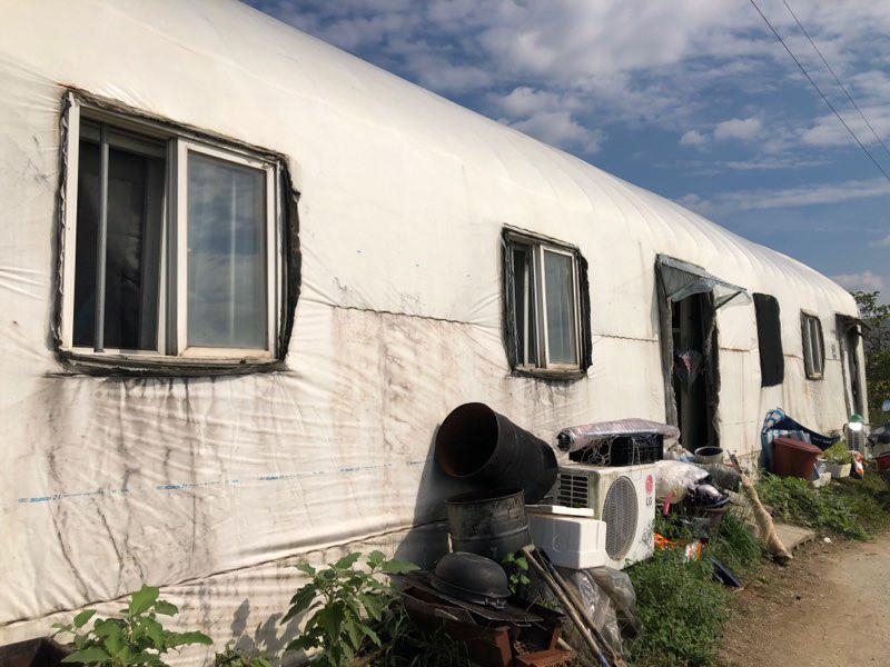 경기도 내 한 농가가 이동식 주택으로 만든 외국인 숙소 모습. 사진=윤진현기자