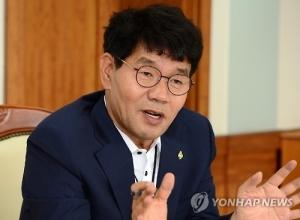 '뇌물 연루 의혹' 이청연 인천교육감, 복지기금 전용 해외출장 ...